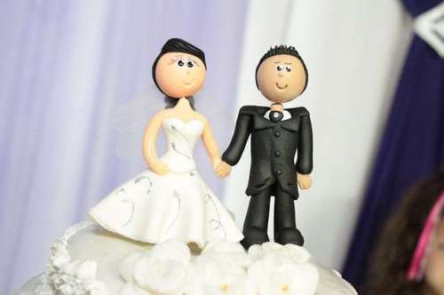 bride-groom-cake-topper